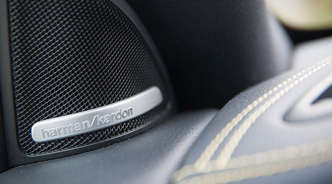 Jakie utwory rockowe warto słuchać w samochodzie?