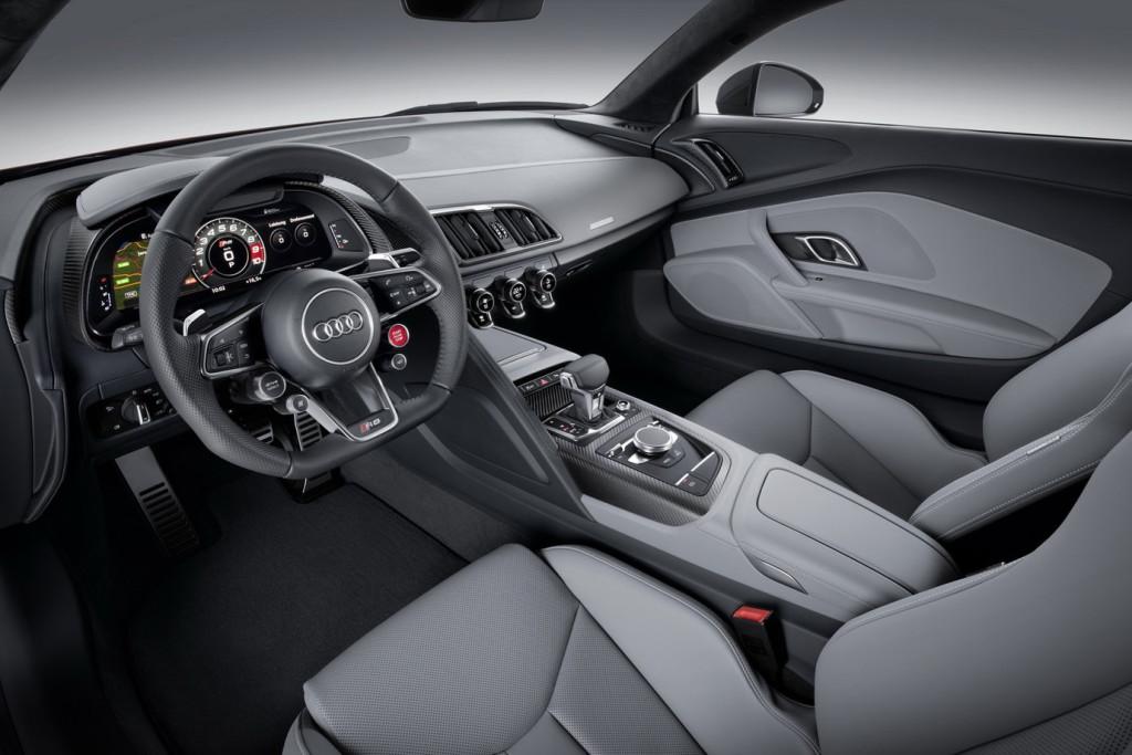 Nowe Audi R8 (2015) - kokpit