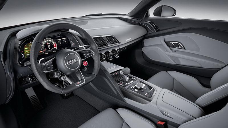 Wnętrze nowego Audi R8 wygląda naprawdę rasowo