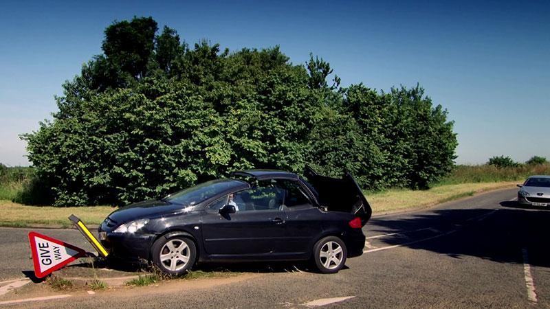 Samochody Peugeot w Top Gear nie miały łatwego życia