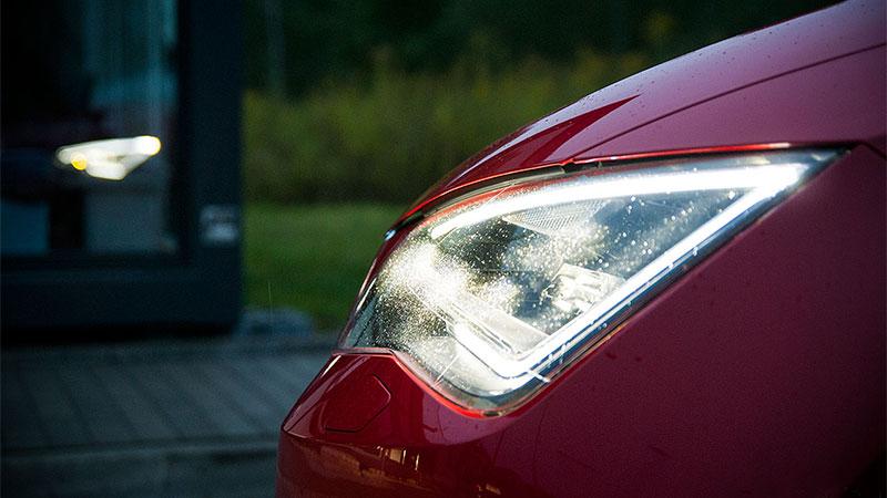 Światła drogowe LED montowane są między innymi w Seacie