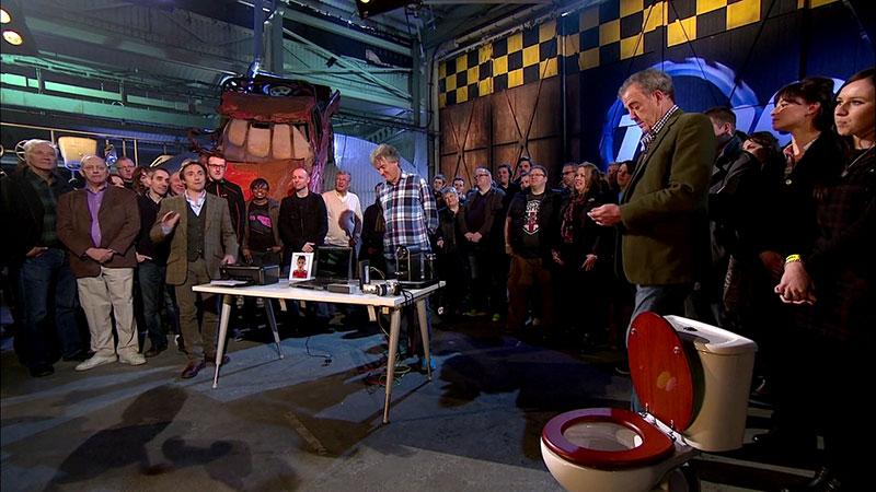 Segmenty w studio Top Gear wprowadzają do nowych materiałó