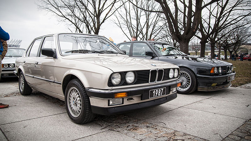 Klasyczne samochody BMW często pojawiają się na spotach Youngtimer Warsaw