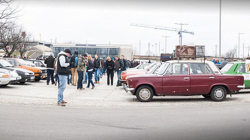 Rozpoczęcie sezonu Youngtimer Warsaw przyciąga zawsze wielu fanów motoryzacji