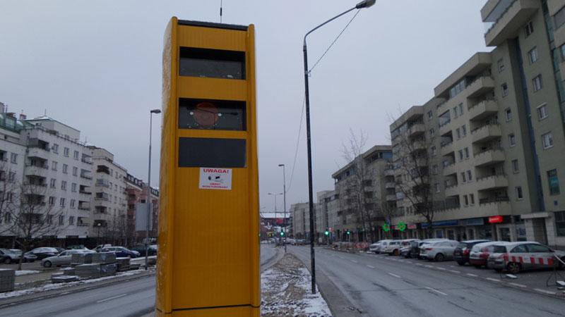 Fotoradar w Alei KEN w Warszawie powstał po tragicznym wypadku na skrzyżowaniu