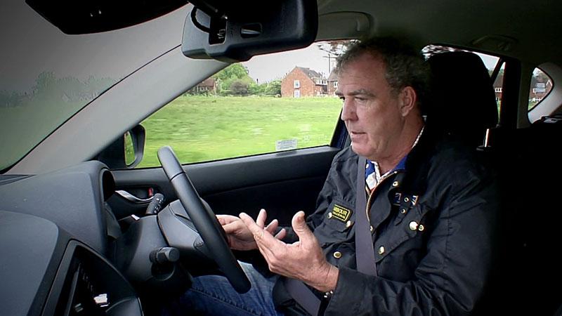 Jeremy Clarkson podczas testu Mazdy CX-5