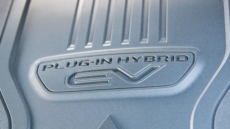 Naprawy samochodów z napędem Plug-in Hybrid EV (PHEV) bywają bardzo drogie
