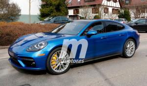 Porsche Panamera Turbo 2017 - przód