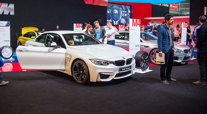 BMW na Poznań Motor Show 2015 – zdjęcia stoiska, na którym starły się dwa oblicza motoryzacji