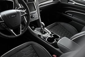 Tunel środkowy w nowym Fordzie Mondeo Vignale