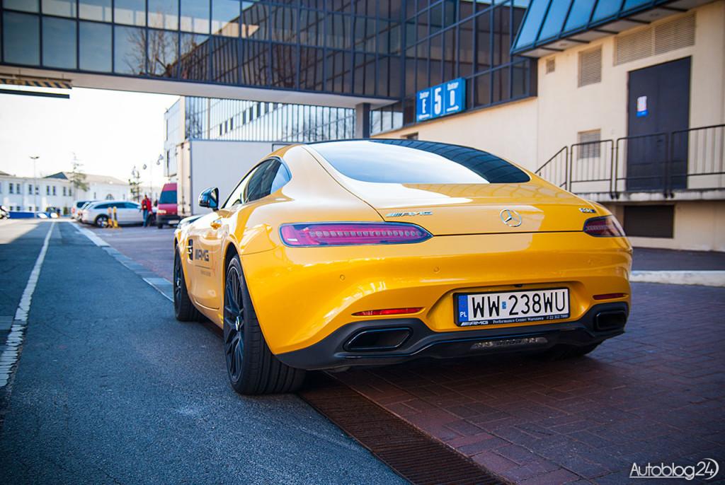 Mercedes AMG-GT - z tyłu wygląda równie dobrze