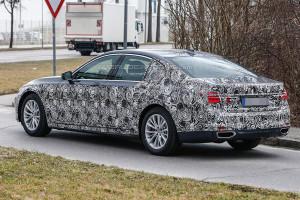 Nowe BMW Serii 7 (2016) - tylna część samochodu