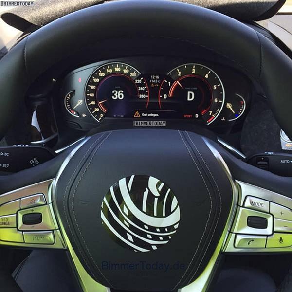 Nowe BMW Serii 7 (2016) - tak prezentują się zegary