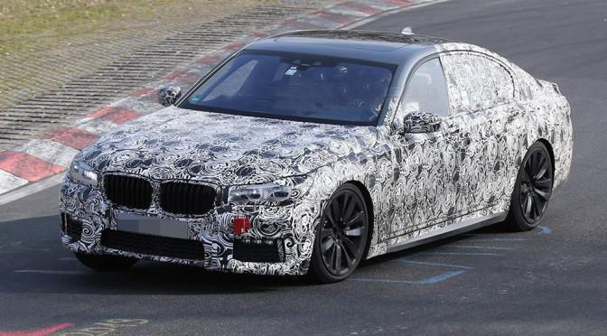 Nowe BMW Serii 7 G11 (2016) – zdjęcia szpiegowskie pokazują wygląd nadwozia i zegary