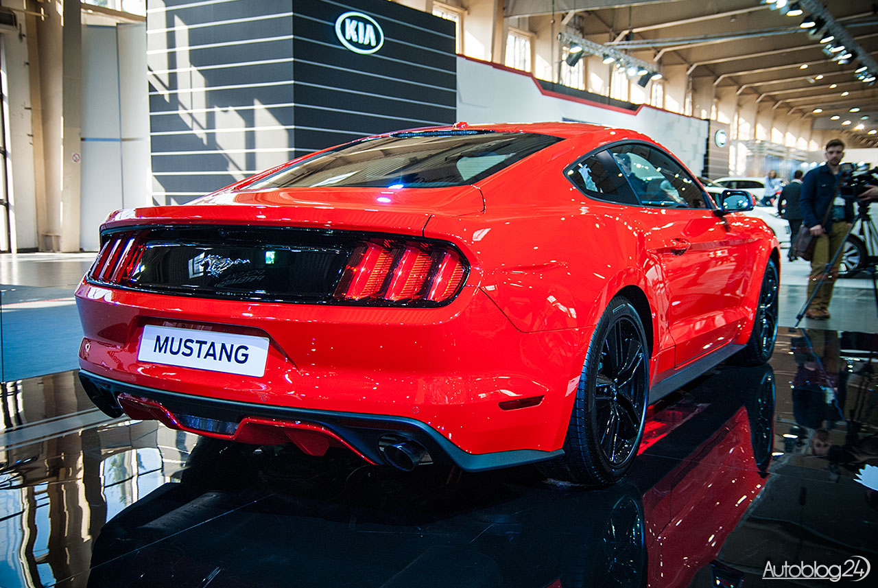 Nowy Ford Mustang - tył samochodu