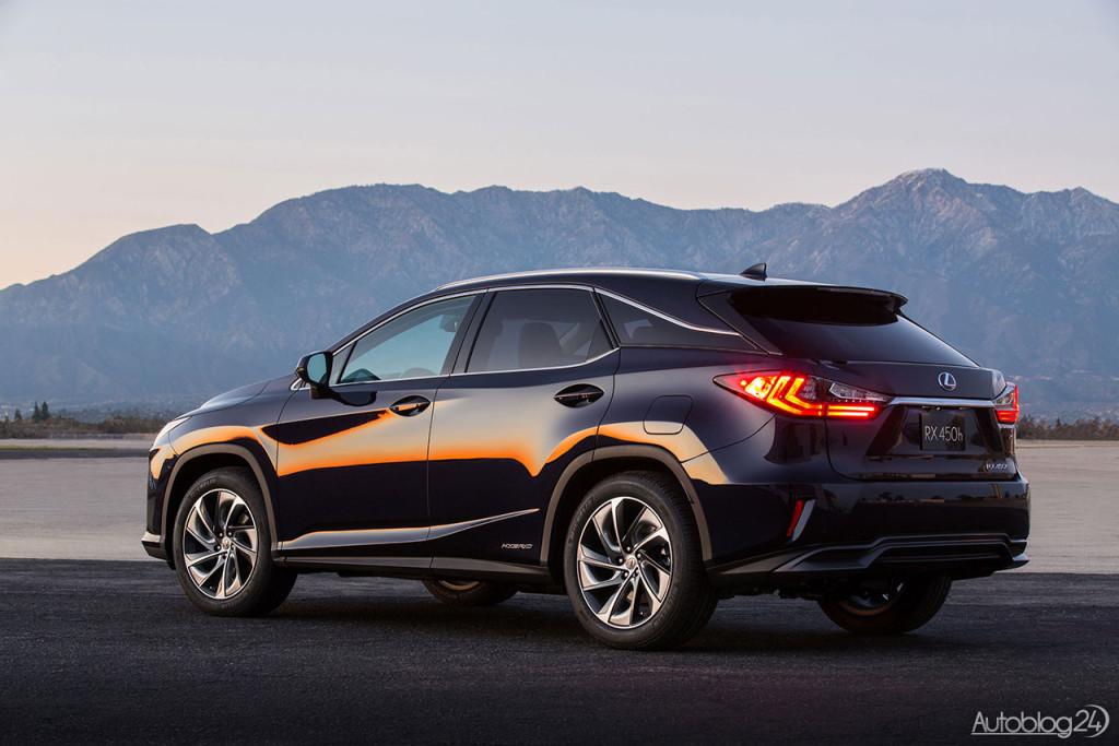 Tył nowego Lexusa RX (2016) wygląda bardzo efektywnie