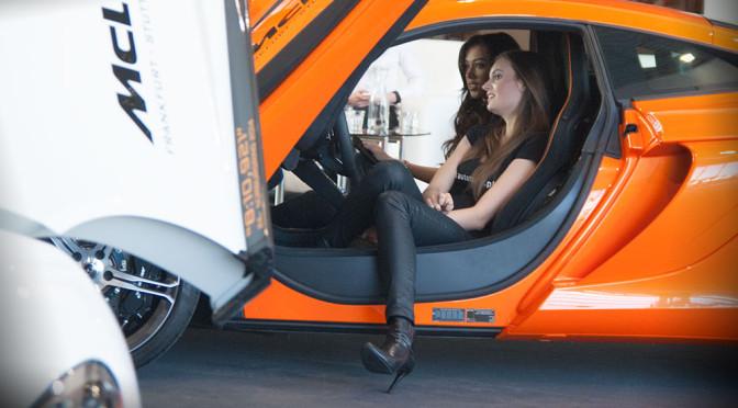 Hostessy na Poznań Motor Show 2015 - galeria 16 zdjęć