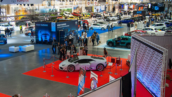 Hala wystawiennicza na Poznań Motor Show