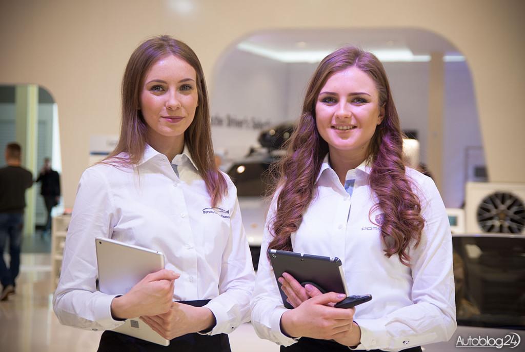 Poznań Motor Show hostessy - dziewczyny z Porsche