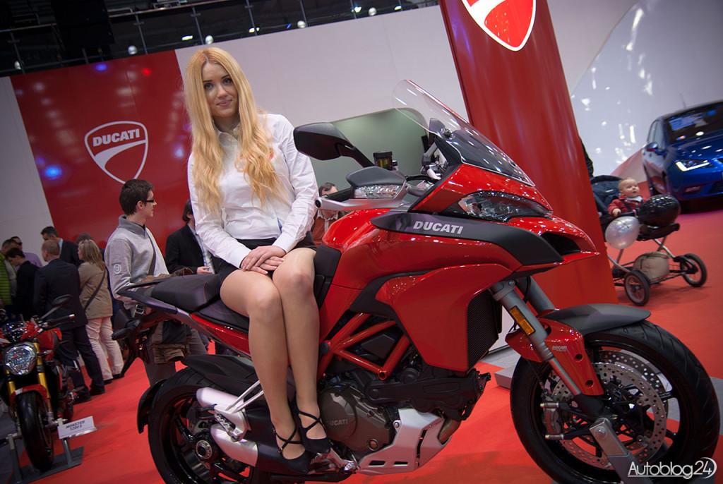 Poznań Motor Show hostessy - pani na Ducati
