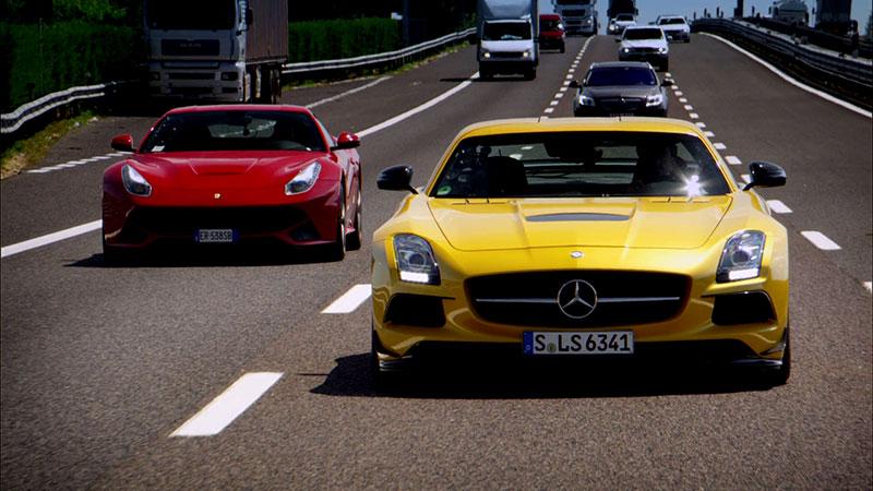 Prowadzący Top Gear jeździli Mercedes SLS Black i Ferrari F12