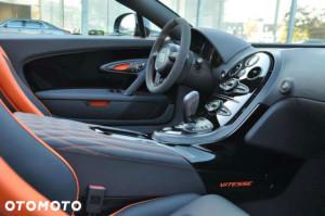 Bugatti Veyron Grand Sport - wnętrze samochodu