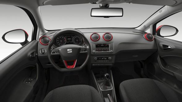 Wnętrze Seata Ibiza IV generacji po liftingu