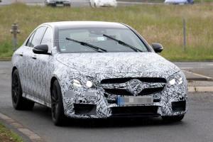 Nowy Mercedes Klasy E W213 - zdjęcie szpiegowskie z przodu