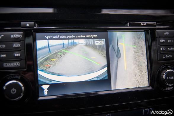 Kamera skierowana na felgi w Nissanie Qashqai