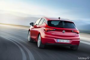 Nowy Opel Astra V generacji - efektowny tył