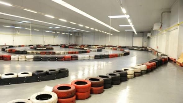 Pole Position Janki - tor w hali