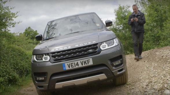 Range Rover dobrze radzi sobie w terenie