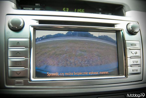 Toyota Hilux - tak działa kamera cofania