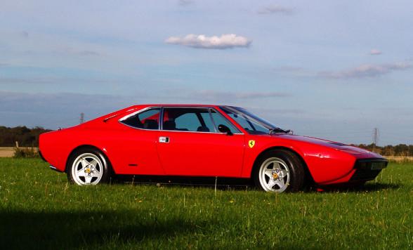 308 GT4 2+2 - ten model się Ferrari nie udał