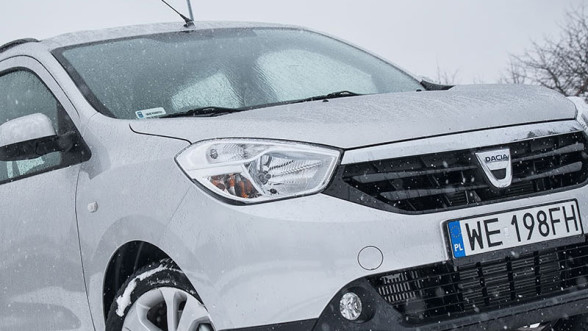 Zima i Dacia Lodgy