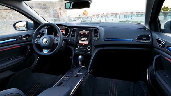 Wnętrze nowego Renault Megane RS wygląda rasowo
