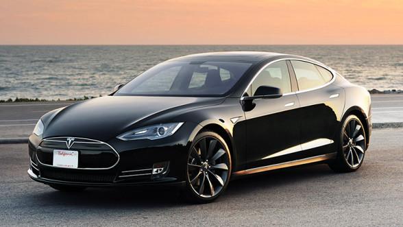 Tesla Model S - samochód z autopilotem