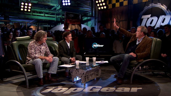Clarkson Hammond i May w studiu Top Gear