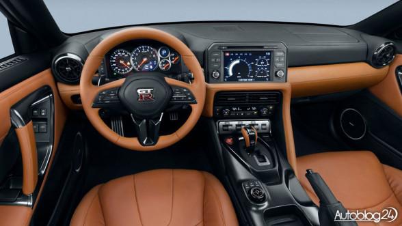 Nissan GT-R 2017 - wnętrze