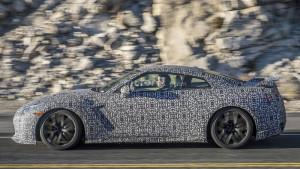 Nowa generacja Nissana GT-R - bok samochodu