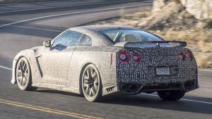 Nowa generacja Nissana GT-R - widok z tyłu