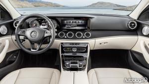 Jasna kabina w Mercedesie Klasy E (W213)