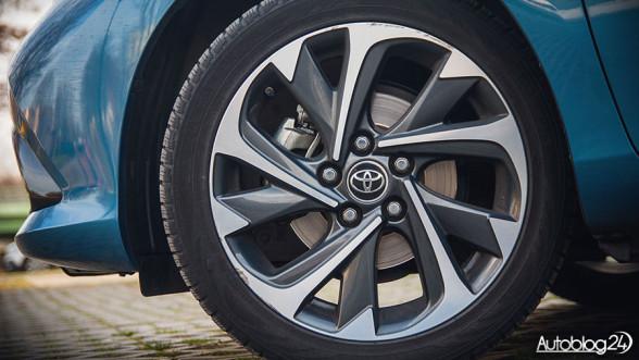 Osiągi Toyoty Auris - lepsza jest hybryda czy benzyna?
