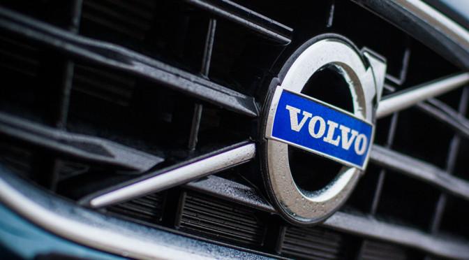 Nowe Volvo V90 – wyciekło zdjęcie zupełnie bez maskowania, wiemy jak wygląda tył tego kombi
