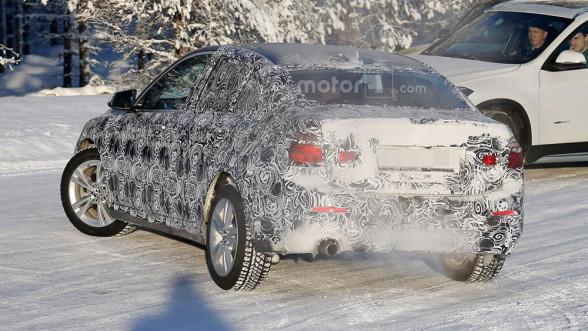 Tył nowego BMW Serii 1 Sedan F52