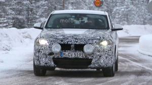 BMW X2 (2017) - zdjęcie szpiegowskie przedstawiające przód