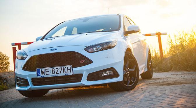 Ford Focus ST - diesel czy benzyna? Porównanie który silnik jest lepszy do tego auta