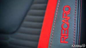 Ford Focus ST - kubełkowe fotele Recaro
