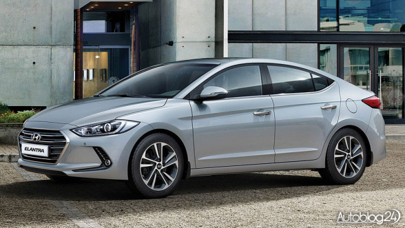 Nowy Hyundai Elantra - bok
