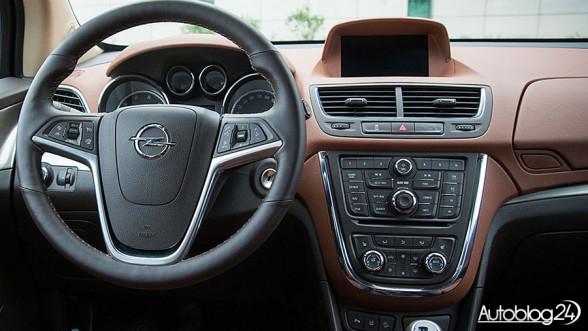 Opel Mokka 2012 - konsola centralna wersji przed FL